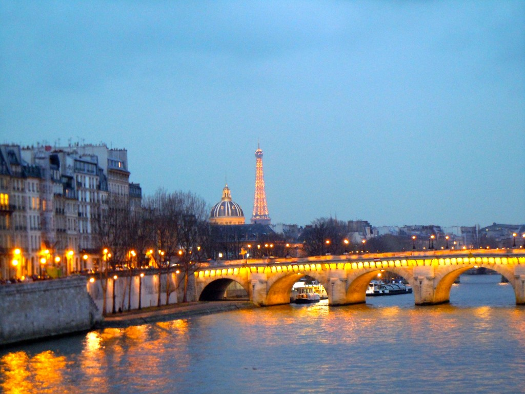#Paris for #Beginners: Relax and take your time. Enjoy the magic of #Paris.
