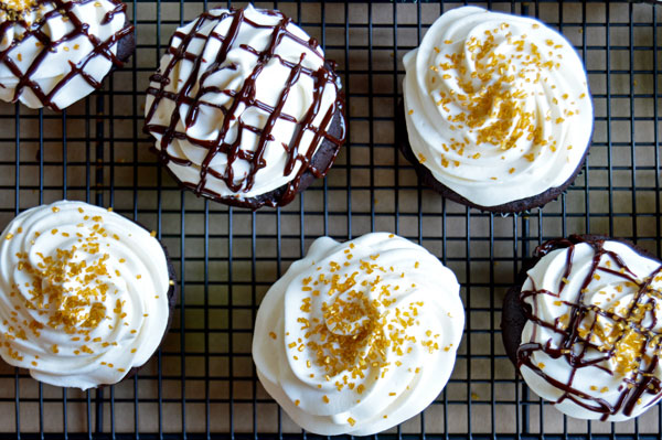 Guinness, Bailey's, and Jameson Irish Cupcakes | www.TheHungryTravelerBlog.com
