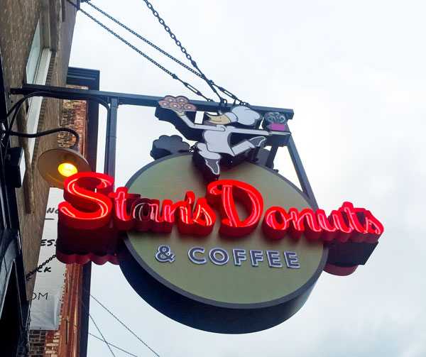 Stan's Donuts| 10 Bakeries to Visit in Chicago
