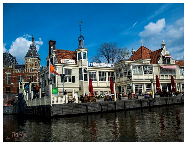 Amsterdam Canals Salon Boat Ride | Eating Amsterdam Food Tour - Jordaan Food and Canals Tour