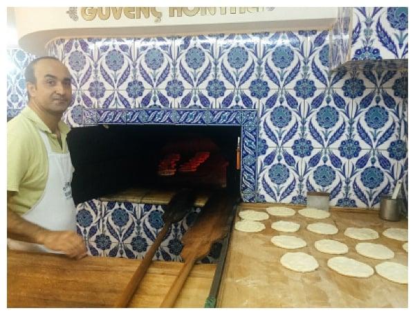making pita Istanbul Grand Bazaar Tour